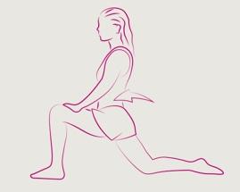 Žena má přední nohu ohnutou v úhlu 90° a provádí výpad.